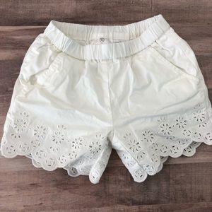 Size 90 HANNA ANDERSSON white eyelet shorts